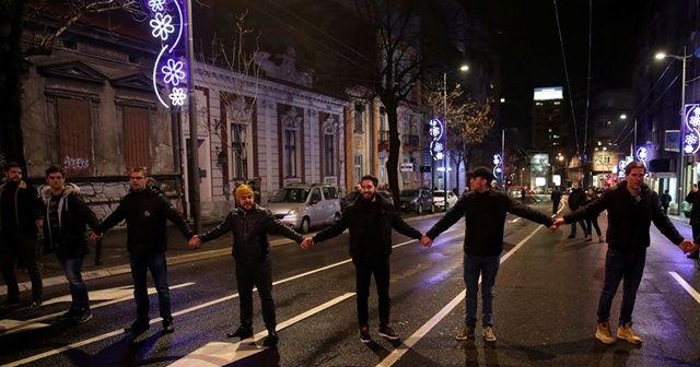 Sırbistan'da hükümet karşıtı protesto