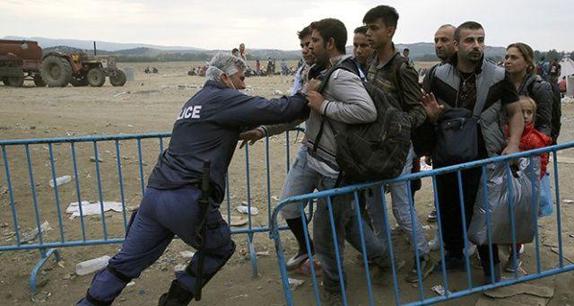 Yunanistan'ın geri gönderdiği bir sığınmacı daha donarak hayatını kaybetti