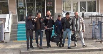5 kilo 250 gram eroin ile yakalan 3 İranlı tutuklandı