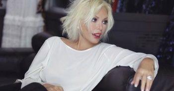 72 yaşındaki Ajda Pekkan, müzik şirketiyle 20 yıllık sözleşme imzalayacak