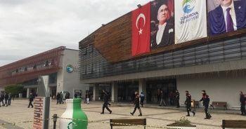 Adana Çukurova Belediyesi'ne silahlı baskın