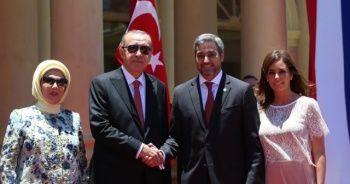Cumhurbaşkanı Erdoğan Paraguay'da! Türk vatandaşlarından sevgi gösterisi