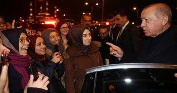 Erdoğan'dan İstiklal Şairi'ni anma programını izleyen öğrencilere sürpriz