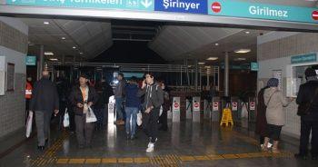 İZBAN'da grev başladı, İzmirli yolcular geri döndü