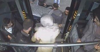 Otobüs şoförü, baygınlık geçiren yolcuyu hastaneye yetiştirdi