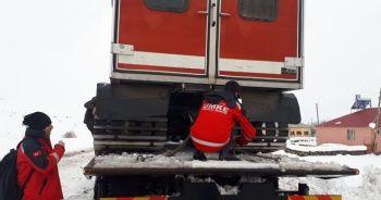 Paletli ambulanslarla kurtarıldılar