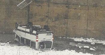 Trabzon'da yolcu minibüsü dereye uçtu: 10 yaralı