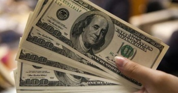 Yılsonu dolar tahmini geriledi