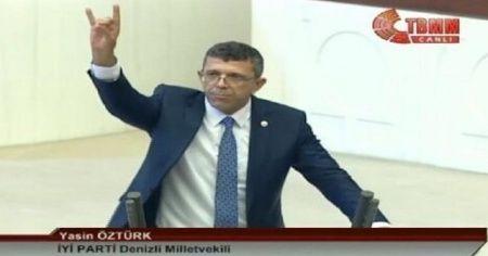 Bozkurt yapıyor ama MHP'li değil! İşte Meclis'te küfür eden vekil