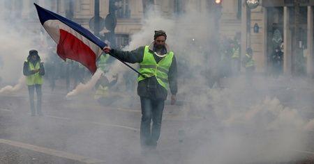 Fransa'da asgari ücrete 100 euro zam