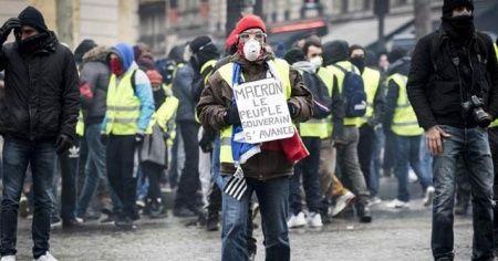 Fransa'daki gösterilere 33 bin 500 kişi katıldı