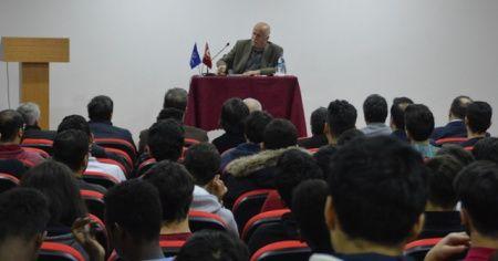 İhlas Vakfı Türk Dünyası Koordinatörü Numan Aydogan Ünal, üniversiteli gençlerle buluştu