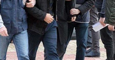 İzmir'de FETÖ operasyonu: 11 gözaltı kararı