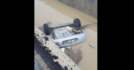 Kayıp gençlerin cesedi su kanalına düşen otomobilden çıktı