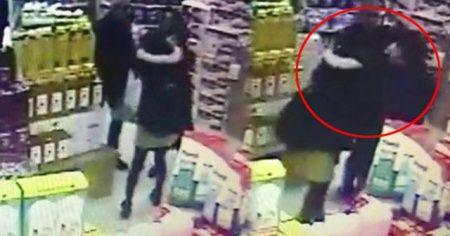 Pendik'te kadınların market ortasında kavgası kamerada