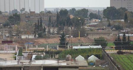 Terör örgütü YPG hendek kazıyor