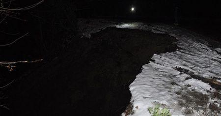 Zonguldak'ta yolda heyelan meydana geldi