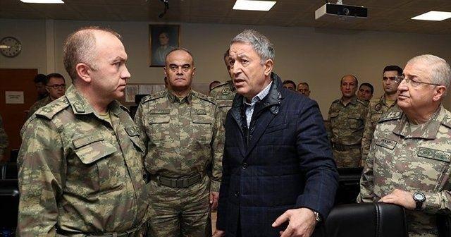 Bakan Akar ve kuvvet komutanlarından sınır birliklerinde inceleme