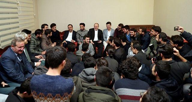Bakan Kasapoğlu ve Bakan Varank'dan KYK öğrenci yurtlarına sürpriz ziyaret