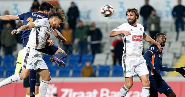 Başakşehir kupada avantajı tek golle aldı