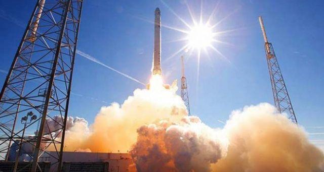Çin Uzaya İletişim Uydusu Fırlattı