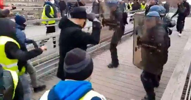 Fransız polisini yumruklayan gösterici şampiyon boksör çıktı