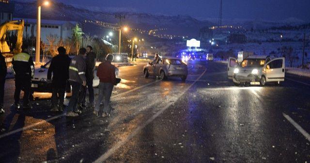 Mardin'de gizli buzlanma 4 ayrı kazaya neden oldu