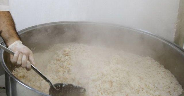 Sıcak yiyecekleri fazla tüketmek yemek borusu kanserini tetikleyebiliyor