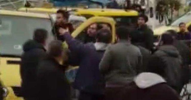 Taksim Meydanı'nda korna kavgası! Minibüsçüler birbirine girdi
