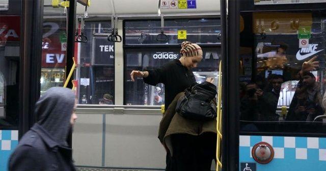 Yolcunun telefonu çalındı, şoför kimseyi otobüsten indirmedi