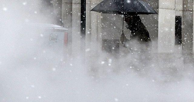Yunanistan'da kar fırtınası etkisini sürdürüyor