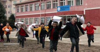 18 milyon öğrenci için bugün 'tatil zili' çalıyor