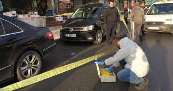 Altın taşıyan toptancıyı soyamayınca silahla vurdular