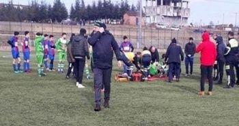 Dili boğazına kaçan futbolcuyu takım arkadaşı kurtardı