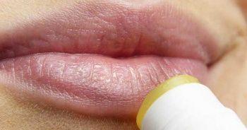 Dudak Peelingi nedir nasıl uygulanır? Dudak peelingi hindistan cevizi yağı
