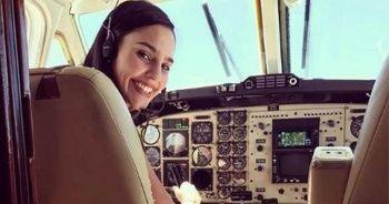 Dünya bu pilotu konuşuyor... Henüz 21 yaşında...
