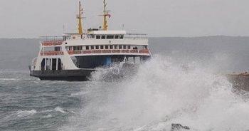 Gökçeada'da feribot seferlerine 'fırtına engeli'