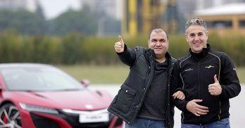 Görme engelli otomobil tutkunu 244 km hız yaptı