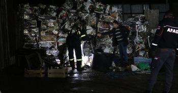 Hurdacıya getirilen tanktan dökülen sıvı mahalleliyi sokağa döktü