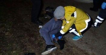 İki arkadaşı bacaklarından vurup kaçtı