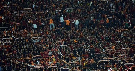 Galatasaray taraftarından isyan! Forvet istiyoruz