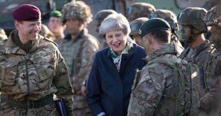 """İngiltere'de yedek askerlere """"anlaşmasız Brexit"""" görevi"""