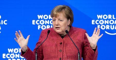 Merkel'den hem AB'ye hem de ABD'ye gönderme