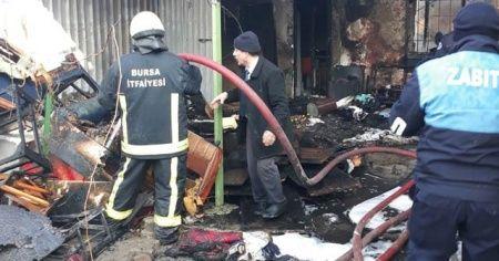 Yangını fark eden zabıta mahsur kalan kız çocuğunu kurtardı