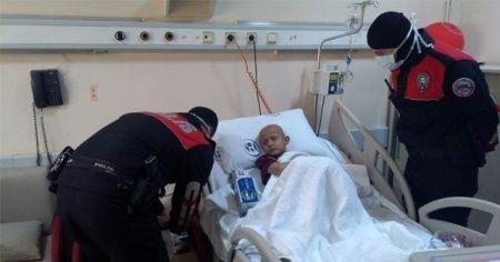 Yunus polisi, lösemili çocuğun hayalini hasta yatağında gerçeğe dönüştürdü