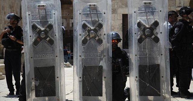 İsrail polisi Mescid-i Aksa'nın kapılarını tekrar açtı