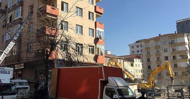 Kartal'daki riskli binalardan taşınmalar sürüyor