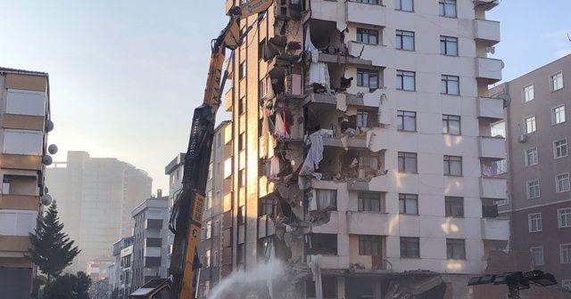 Kartal'daki Yunus Apartmanı'nın yıkım çalışmaları yeniden başladı