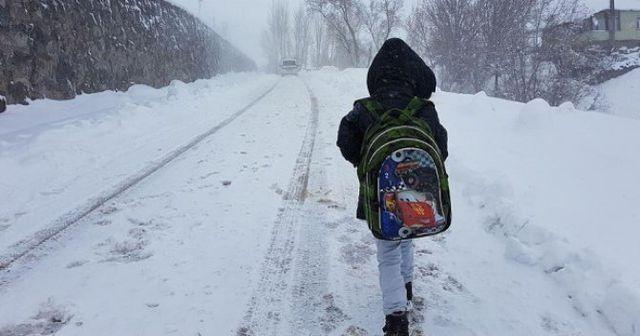 Muş'ta eğitime kar engeli
