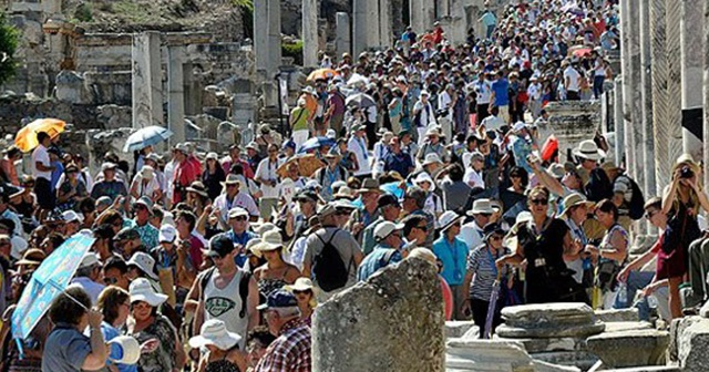 Turizmde yeni hedef açıklandı: 70 milyon turist